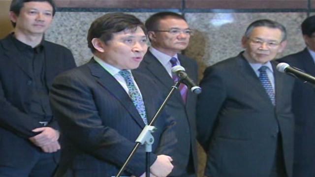 Hong Kong tycoons profess innocence