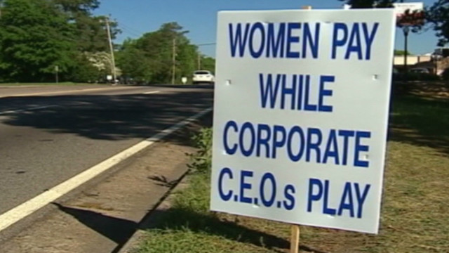 A sign protesting Augusta National Golf Club's no-women policy in 2002.