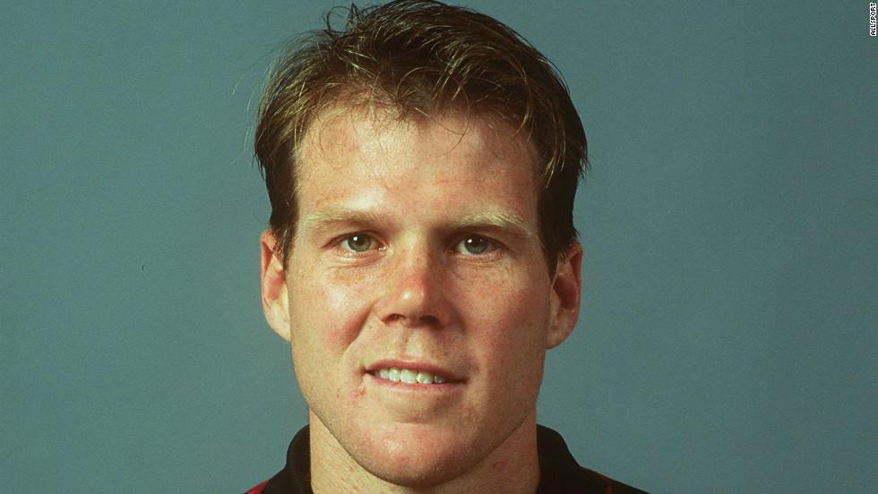 Friedel made his first appearance for the United States national team in 1992 against Canada at the age of 21 and competed at the Olympics in Barcelona that year.