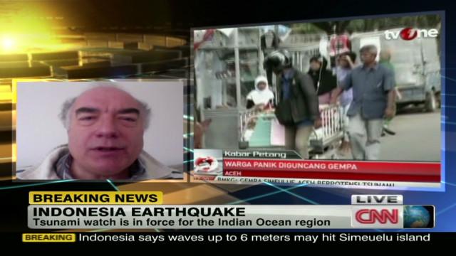 Indonesia quake prompts tsunami watch