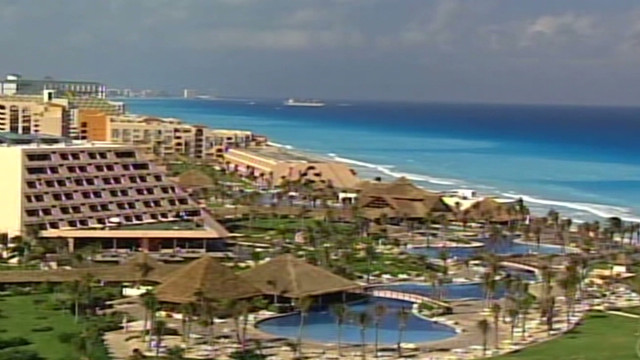 Tourism booms in Mexico despite violence