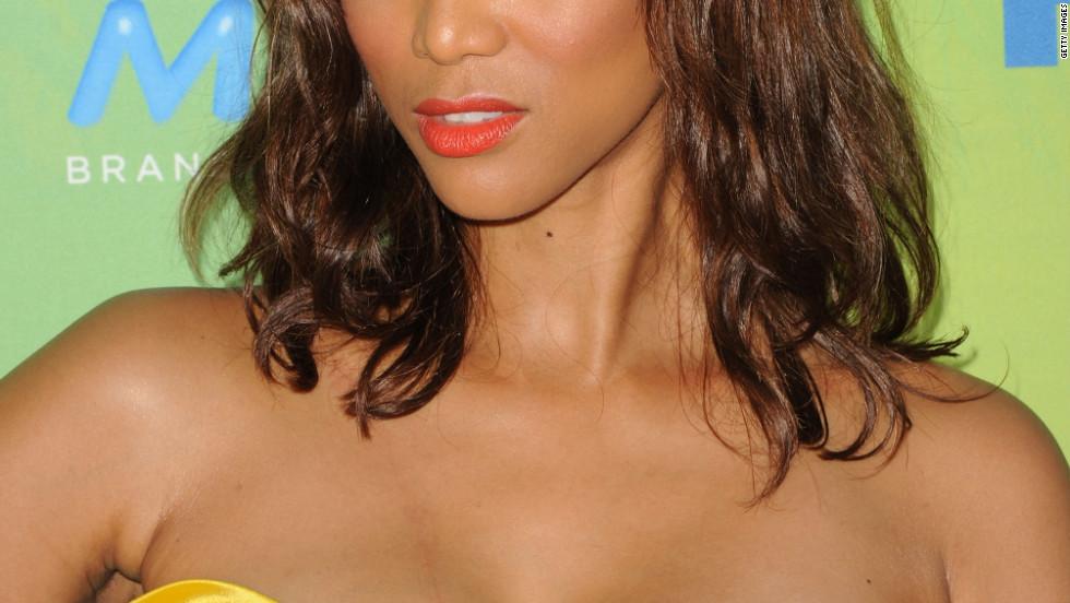 It's Tyra Banks!
