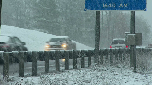 Heavy snow, rain pound Northeast