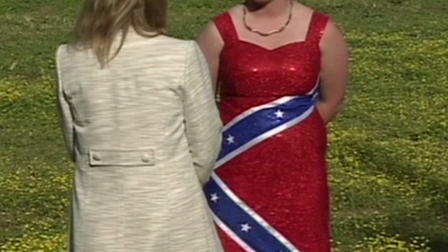 2012: Confederate dress banned from prom