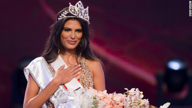 Carlina Duran won the Miss Dominican Republic pageant on April 17. She has been asked to return her crown.