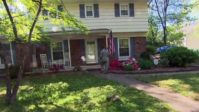 Neighbors offer clues to agent's life