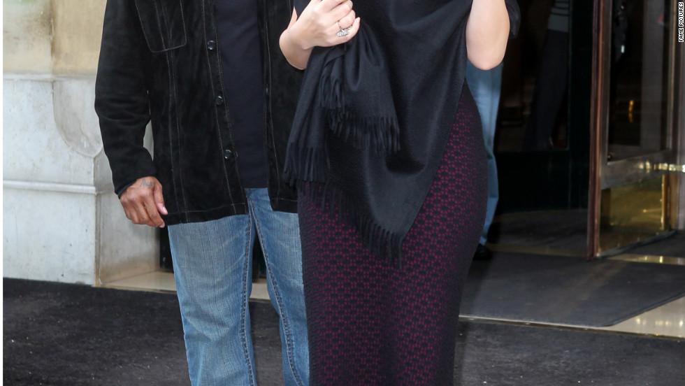 Mariah Carey roams around Paris with her family.