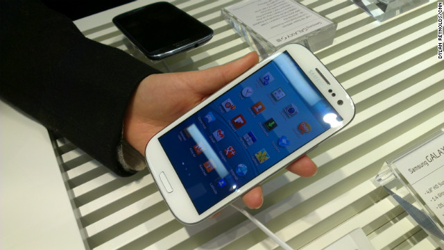 Samsung unveiled its Galaxy S III smartphone in London on Thursday.