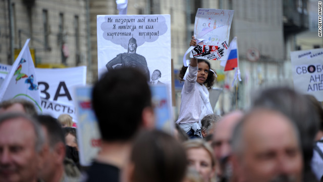Russian protesters take aim at Putin