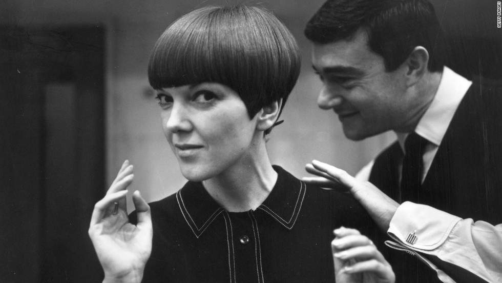 """Clothes designer Mary Quant, one of the leading lights of the British fashion scene in the 1960's and the designer responsible for the mini-skirt, having her hair cut by her fellow fashion icon Vidal Sassoon in 1964. Quant called Sassoon the """"Chanel of hair""""."""