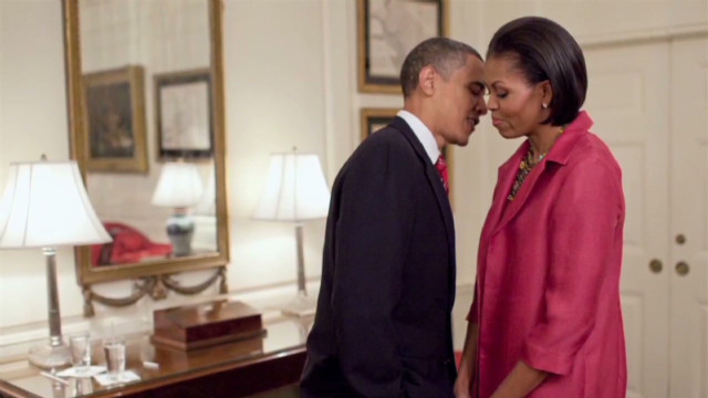 Obama campaign pays tribute to moms