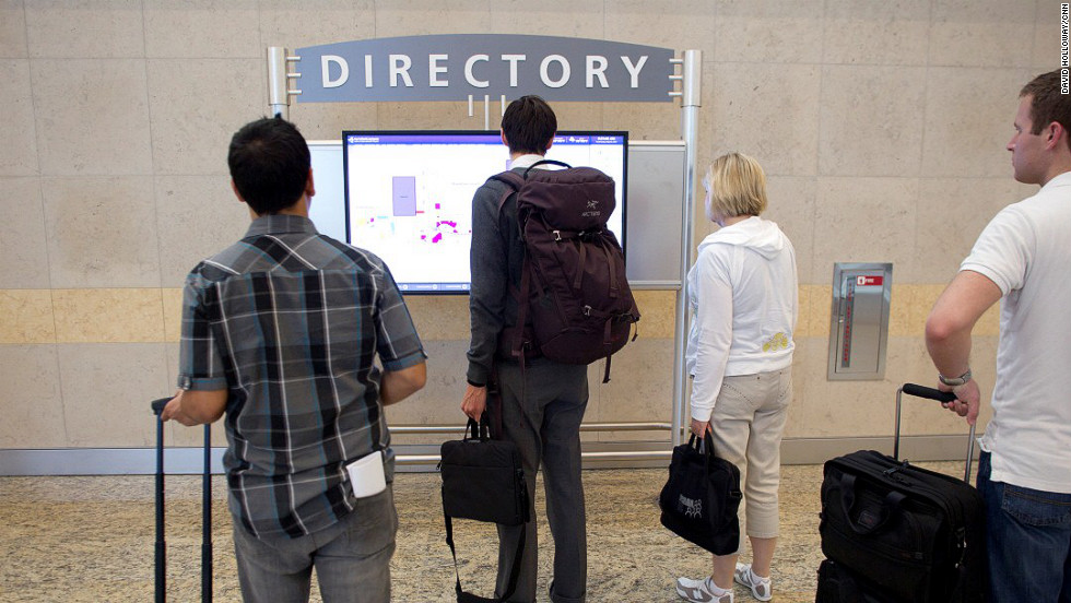 Electronic directories map out the location of restaurants, retail, restrooms, business centers and other services throughout the concourse.
