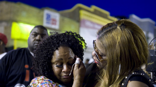 Fans gather to remember Chuck Brown