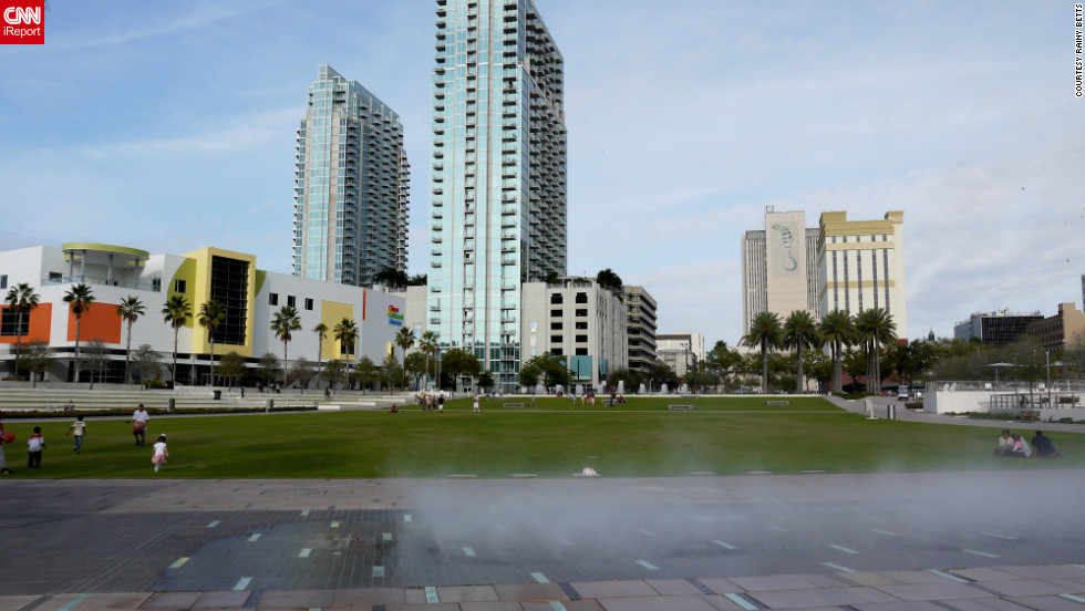 "Tampa's <a href=""http://www.thetampariverwalk.com/detail_hixon.htm"" target=""_blank"">Curtis Hixon Waterfront Park</a> overlooks the Hillsborough River. It's flanked by both modern towers and historical buildings."