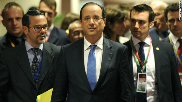 French President Francois Hollande arrives for a press conference in Brussels on May 24, 2012.