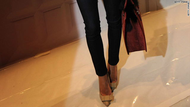 A study says skinny jeans are hazardous to your health. A fashionista begs to differ.