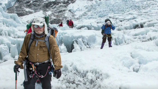 Climber 'traffic jam' on Everest?
