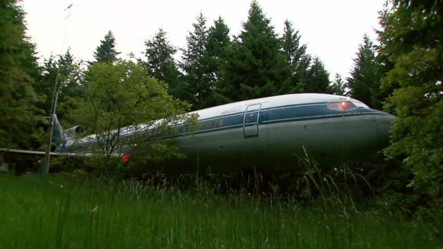 Man turning airplane into dream home