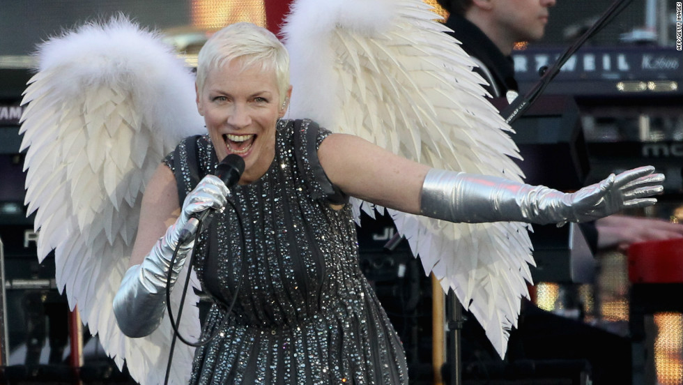 "Singer Annie Lennox performs performs her hit ""Must Be Talking to an Angel."""