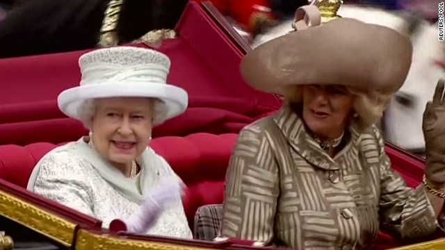 Queen Elizabeth in carriage during Jubilee procession to Buckingham Palace June 5, 2012