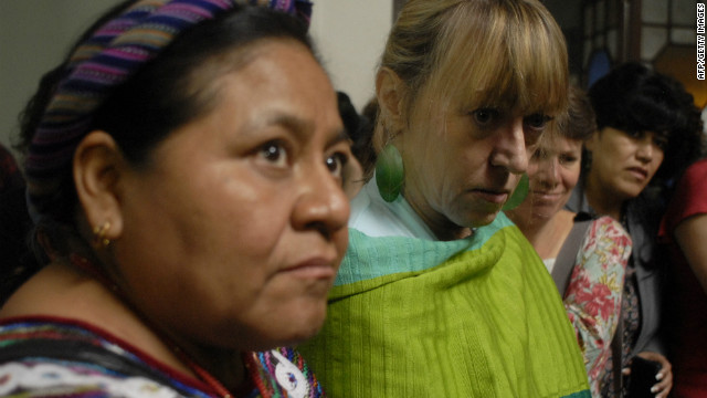 The report into violence against women was led by Nobel laureates Jody Williams (R) and Rigoberta Menchu (L).