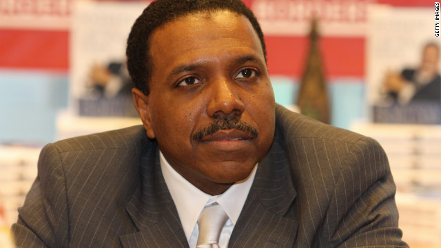 Creflo Dollar appears at a book signing in Chicago in 2008.