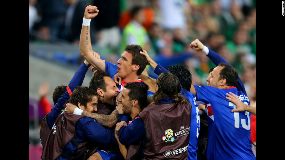 Mario Mandzukic of Croatia celebrates after scoring the team's third goal against Ireland on Sunday.