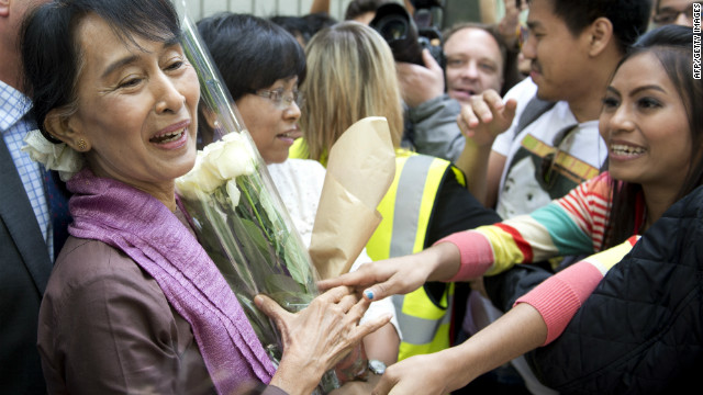 Suu Kyi celebrates birthday in Britain