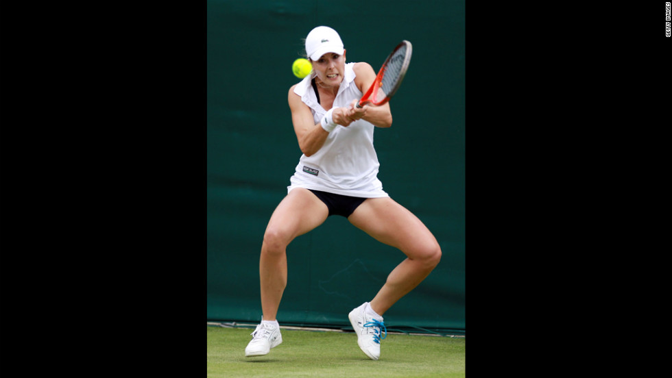 Frances Alize Cornet returns the ball during her ladies' singles first-round match against Nina Bratchikova of Russia on Wednesday.
