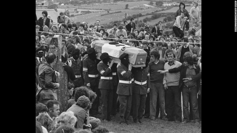 Masked IRA members lead the funeral procession of Martin Hurson, an IRA prisoner who died after 46 days on hunger strike, in Northern Ireland in July 1981. Nine others on hunger strike died as well, and the event helped further politicize the organization.