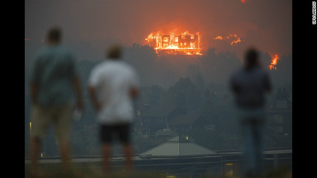 High winds fueling Colorado wildfire