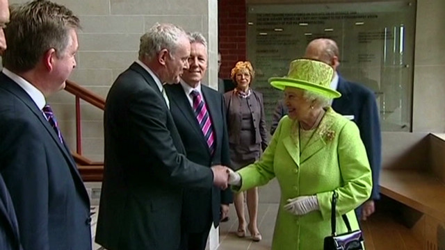 See queen shake hands with ex-IRA leader