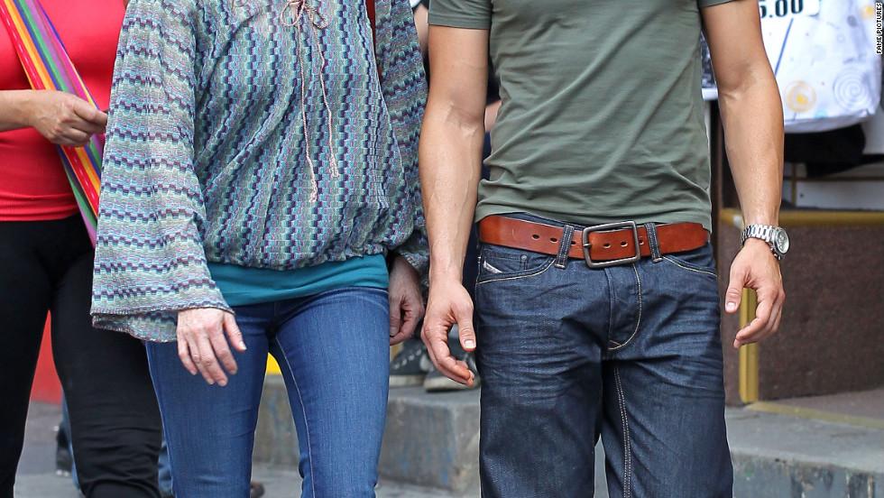 """Julianne Moore and Joseph Gordon-Levitt film """"Don Jon's Addiction"""" in New York City."""