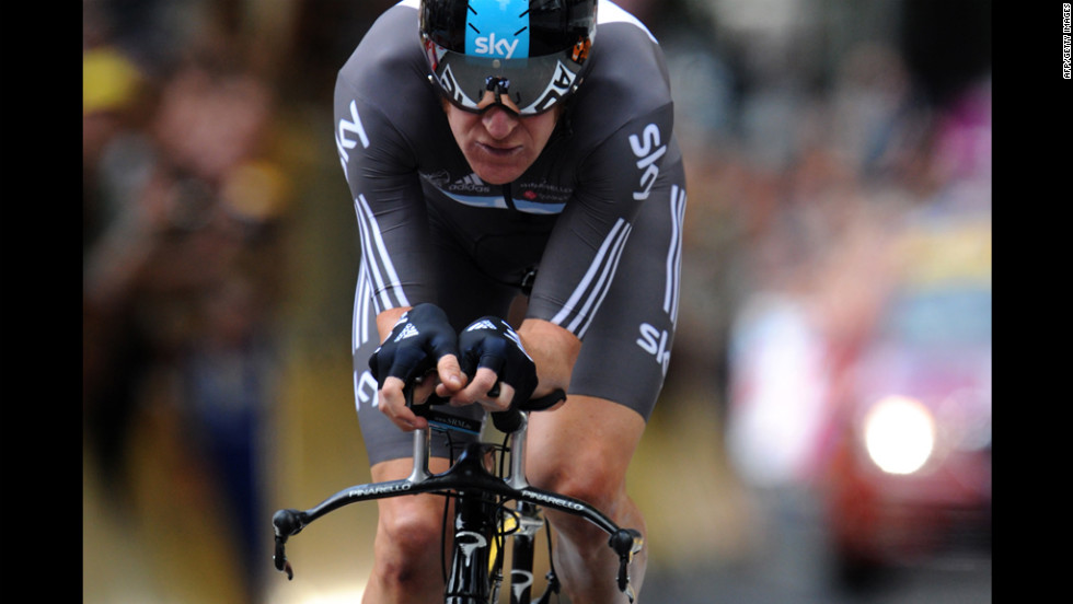 Bradley Wiggins of Britain sprints to the finish line on Saturday.