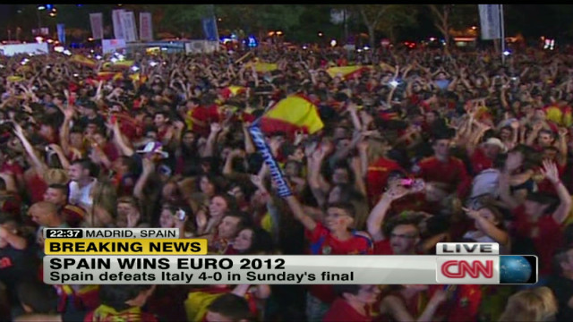 Spain fans react to Euro 2012 win