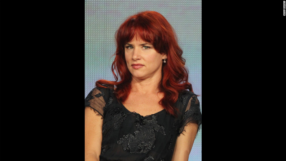 Actress Juliette Lewis defended Scientology and fellow proponent Tom Cruise in a recent interview.