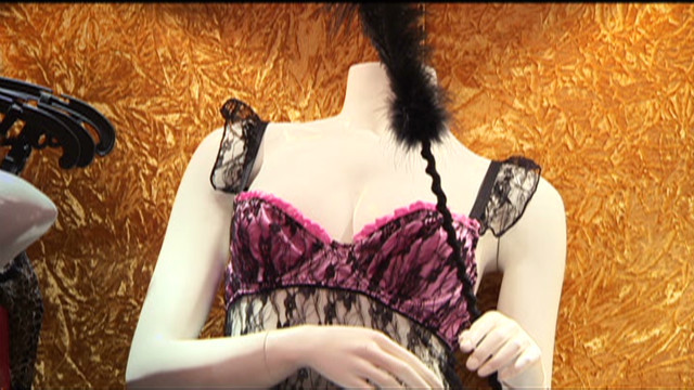 Shopping for lingerie in Saudi Arabia