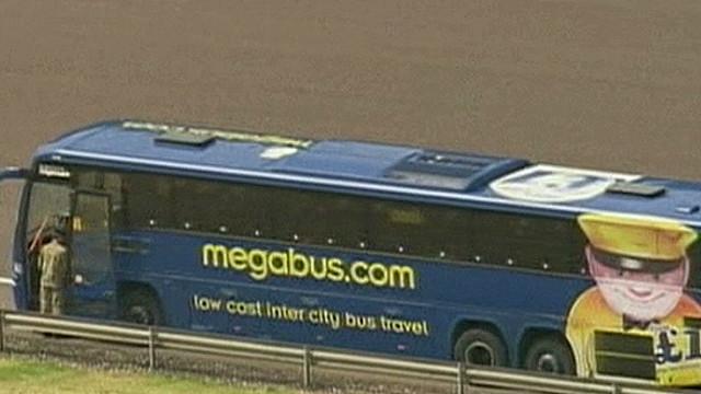 robertson.uk.bus.stopped_00011913