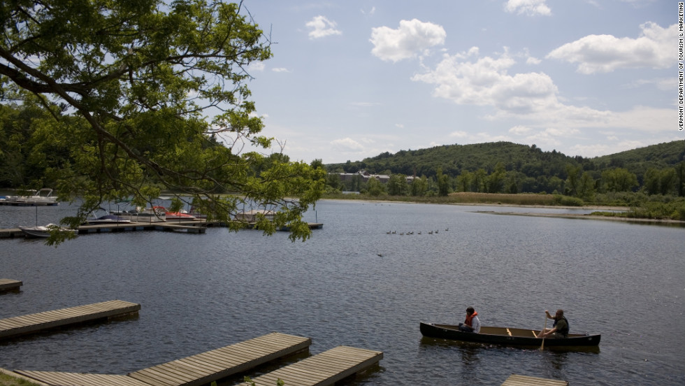 "In Archer Mayor's novel, ""Chat,"" police detective Joe Gunther looked out over the Connecticut River near Brattleboro and saw a dead body floating on the surface."