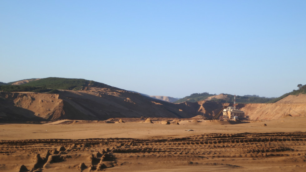 According to the company, the minerals removed from the sand through mining comprise about 5% of the dunes' total volume.