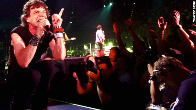 Mick Jagger rocking out in Munich 2003