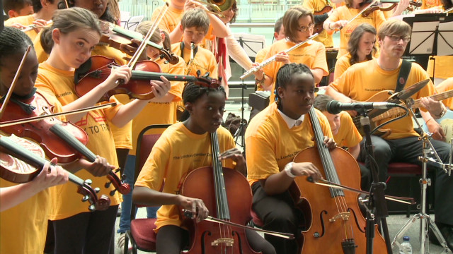 London orchestra plays train sounds