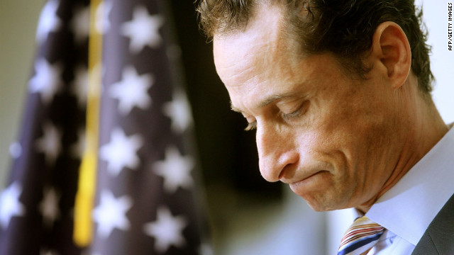 Anthony Weiner announces his resignation from Congress at a June 2011 news conference.