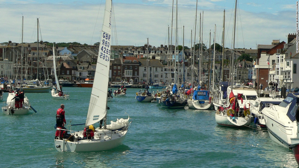 "During the Olympics Weymouth harbor is hosting a number of events for sailing fans. The ""Weymouth & Portland Live"" site will show all sailing and other major Olympic events live on two giant 60 square meter television screens."
