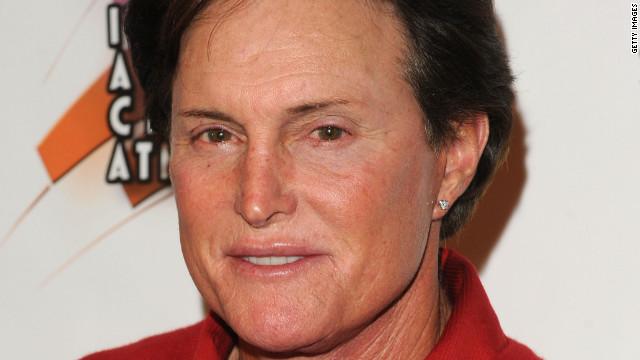 Bruce Jenner, padrastro de Kim Kardashian, involucrado en un accidente automovilístico