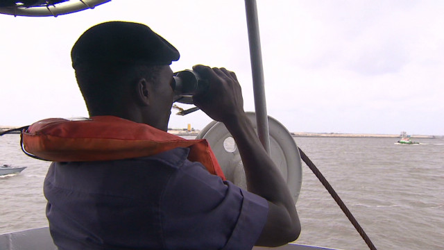Nigerian navy deploys to fight piracy