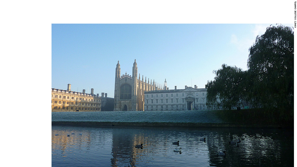 The King's College Chapel is noted for its vaulted ceilings and Evensong choir performances.