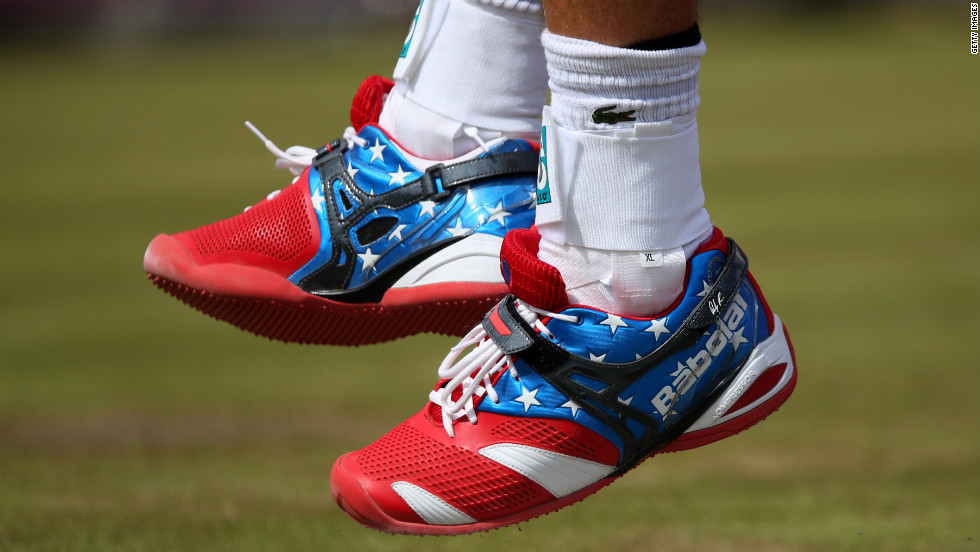 Andy Roddick donned star-spangled shoes for the tennis competition.