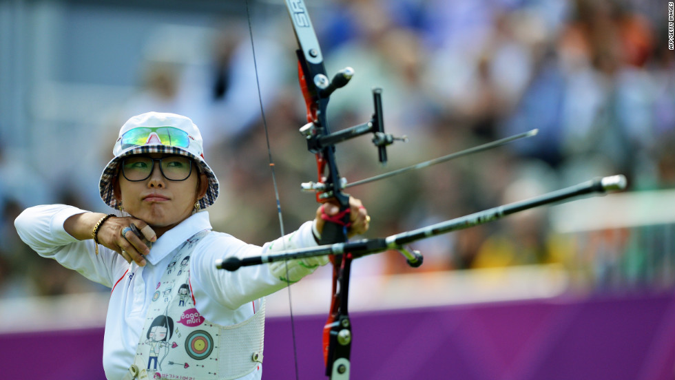 South Korea's Choi Hyeonju competes against Italy's Jessica Tomasi in a women's elimination match.