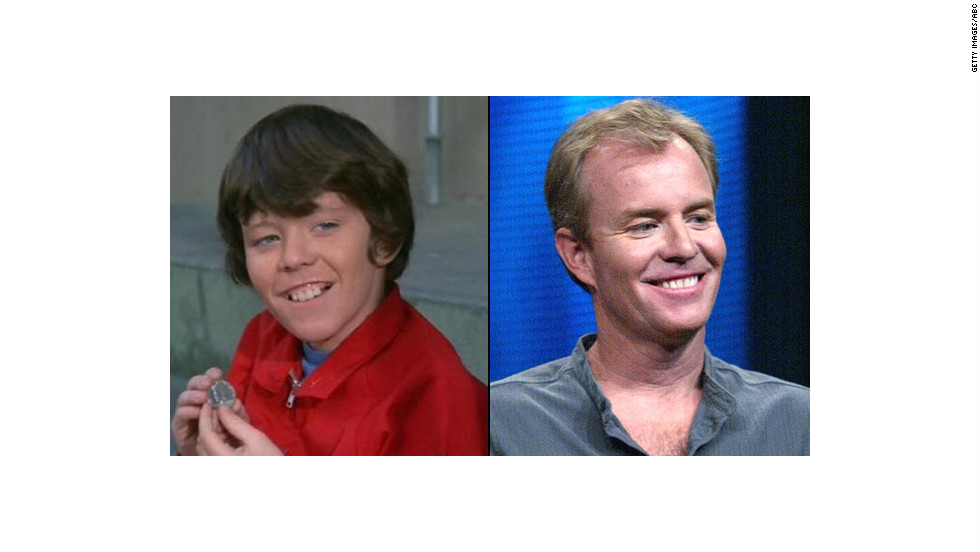 "Mike Lookinland, 53, played Bobby Brady on the sitcom. He later took a seat on the other side of the camera, working on The WB's ""Everwood"" and the ""Halloween"" franchise, and then after 20 years in film <a href=""http://www.finehomebuilding.com/item/31824/child-tv-star-now-makes-concrete-countertops"" target=""_blank"">moved on to making concrete countertops</a>. Lookinland says he's been sober since his drunk driving <a href=""http://www.people.com/people/archive/article/0,,20130034,00.html"" target=""_blank"">incident in 1997</a>."